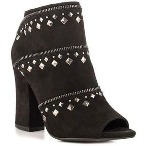 Jessica Simpson Zipper Heel